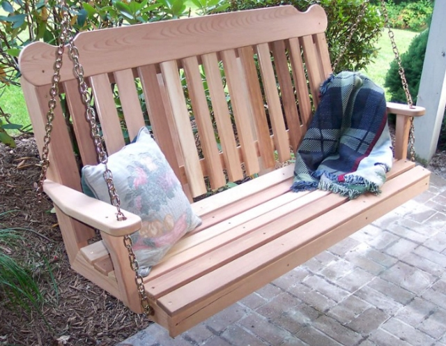 Free woodworking plans guide to get wooden garden swing for Log porch swing plans